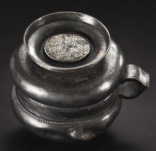 A German silver double cup, 1st half of the 14th century. HP: 19,000 Euros. Copyright Hermann Historica oHG 2015.