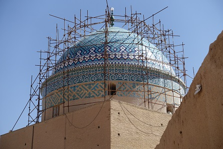 The scaffolded dome of a mausoleum. Photo: KW.