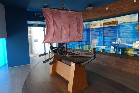 A reconstruction of the Phoenician merchant ship that was discovered in the harbour of Mazarrón. Photo: KW.