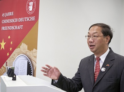 Chinese Ambassador Shi Mingde celebrates 45 years of Sino-German friendship.