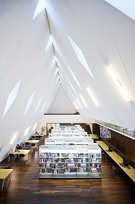 The Marie Madeleine Lancoux Library at the MEG. Photo: © Blaise Glauser.