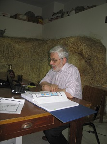 Ermanno Arslan working in the Studium Franciscanum in Jerusalem.