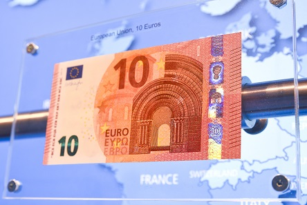 A current 10 Euro-Bill with standard security features such as the blue holograms on its right side. © Prien Marketing GmbH