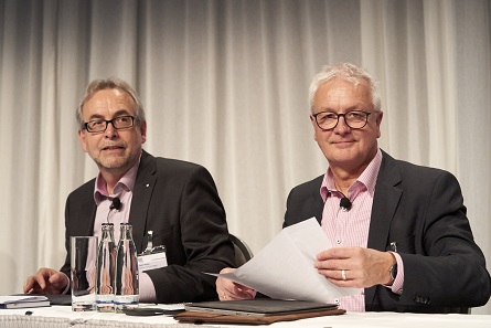 A well-established team: Dieter Merkle from Schuler (l.) and Thomas Hogenkamp from Spaleck (r.) hosted the Technical Forum. Photo: WMF / Andreas Schölzel.