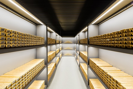 Gold bars in a vault of the Deutsche Bundesbank on 21 June 2017. Photo: Nils Thies.