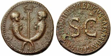 433: Tiberius. Sestertius, 22-23. Av. Busts of Tiberius Gemellus and Germanicus on cornucopiae. RIC 42. Rare. Reddish brown patina. Rv. slightly corroded. Nearly extremely fine / very fine. Starting price: 300 euros. Hammer price: 4,000 euros.
